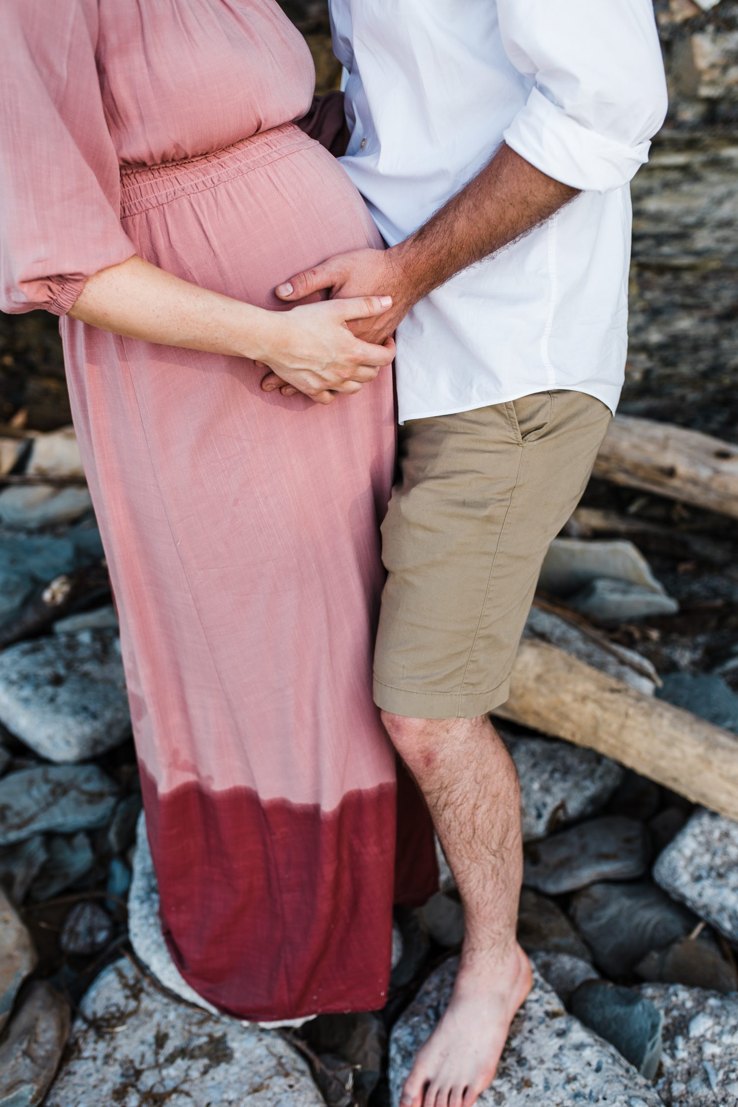 Easterday Creative | Adventurous wedding photographer and storyteller | Serving North Carolina, South Carolina and beyond | Beach maternity session